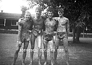 Vintage Hot Photo: Four Shirtless MUDDY MEN - GAY INT. (Image1)