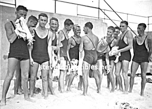 1920s Hot MALE SWIMMERS Photo - GAY INTEREST (Image1)