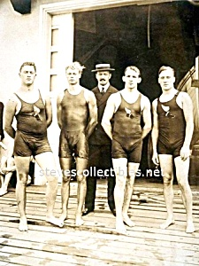 1905 NICE WET PHYSIQUES-Male Swimmers Photo - GAY INT. (Image1)