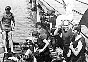 1920 HOT MALE SWIMMER on the DOCK Photo-GAY INT (Image1)