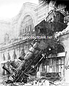1895 TRAIN WRECK at Montparnasse Station Paris Photo (Image1)