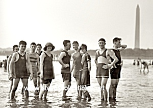 1922 Hot MALE SWIMMERS in costume Photo-GAY INT (Image1)