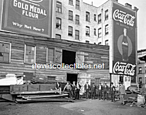 1920 Huge Coca Cola Advertising, Nyc - Photo