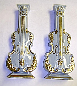 Pair of Vintage VIOLIN Pottery WALL POCKETS (Image1)