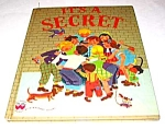 Click here to enlarge image and see more about item MCHBK1211L5: IT'S A SECRET Wonder Book - 1950