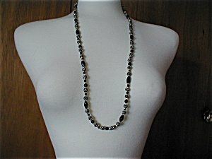 Black and Silver Beaded Necklace (Image1)