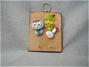 Rock Key Holder (Image1)