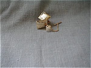 Gold Cuff Links and Tie Tac (Image1)