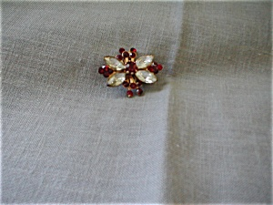 Butterfly Shaped Rhinestone Brooch (Image1)