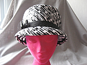 Black and White Straw Hat (Image1)