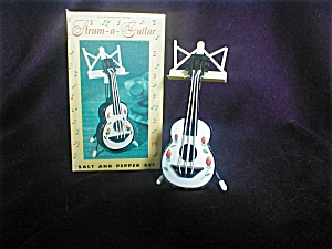 Strum-a-guitar Salt And Pepper Shaker