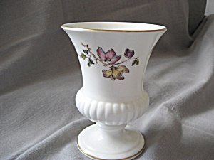 Wedgewood Flowered Vase (Image1)