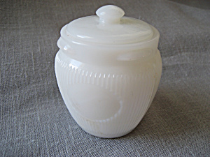Milk Glass Lidded Cream Jar (Image1)