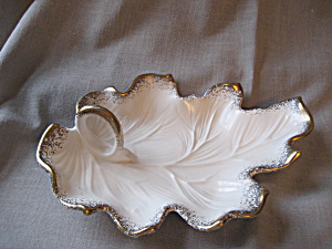 California Pottery Leaf Dish (Image1)