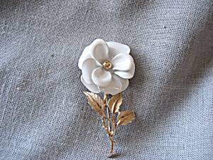 Avon Enamel Flower Pin