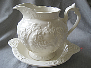 Lefton Bowl and Pitcher (Image1)