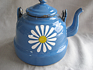 Enamel Tea Pot (Image1)