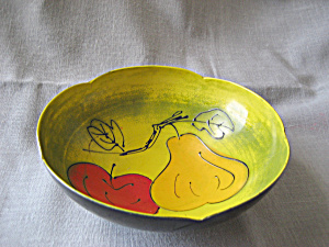 Lucite Fruit Bowl (Image1)