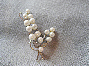 Japanese Pearls and Silver Brooch (Image1)