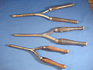 Three Vintage Curling Irons (Image1)
