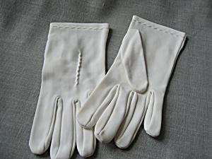 White Vintage Polyester Stitching Gloves (Image1)