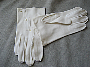 Vitage Little Button Gloves (Image1)