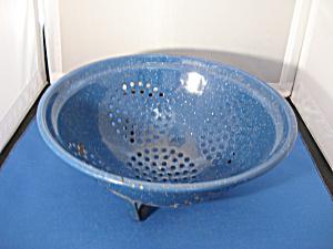 Blue Enamel Strainer (Image1)