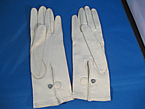 Vintage White Leather Gloves (Image1)