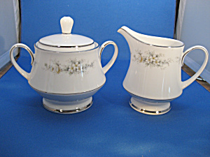 Noritake Melissa Creamer and Sugar (Image1)