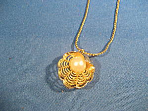 Shell and Pearl Necklace (Image1)