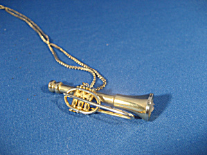 Trumpet Necklace by 1928 (Image1)
