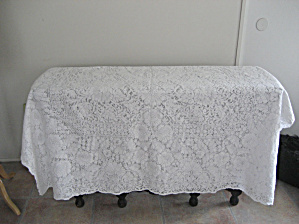 Large Quaker Lace Table Cloth