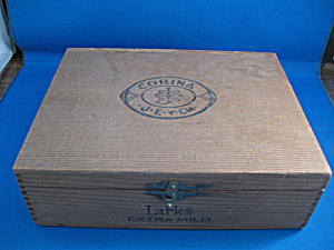 Wooden Cigar Box (Image1)