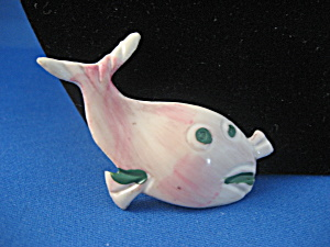 Child's Plastic Whale Pin (Image1)
