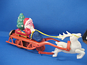 Wind Up Santa and Sleigh (Image1)