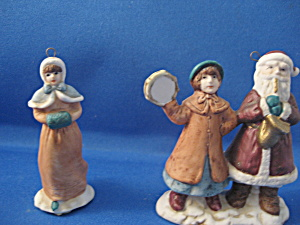 Porcelain Santa and Girl Ornament (Image1)