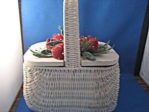 Wicker and Strawberry Pin Cushion Basket (Image1)