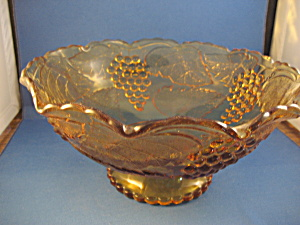 Amber Grapevine Bowl (Image1)