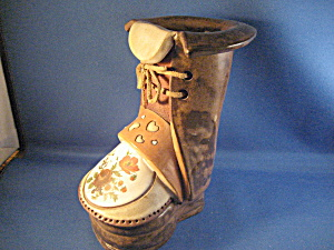 Clay Boot Planter (Image1)
