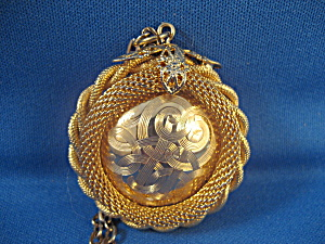 Gold Mesh Roped Pendant
