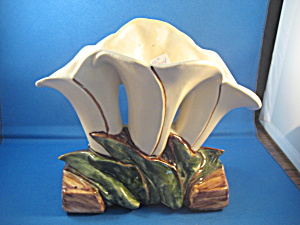 McCoy Three Lily Vase (Image1)