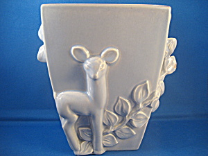 Red Wing Deer Planter (Image1)