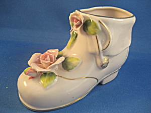 Porcelain Shoe with Pink Roses (Image1)