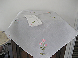 Embroidered Table Cloth with Matching Napkins (Image1)