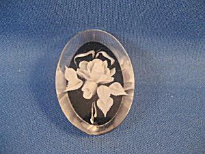 Vintage Lucite Flower Brooch (Image1)