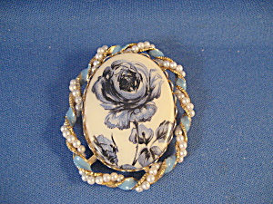 Blue Flower Brooch Surrounded by Faux Pearls (Image1)