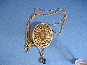 Sachet Cameo Locket (Image1)