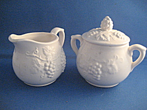 Enesco Grapevine Sugar and Creamer (Image1)