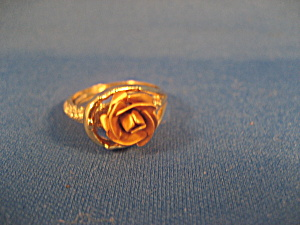 Gold Tone Rose Ring (Image1)