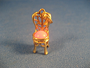 Chair Charm (Image1)